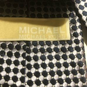 Michael Kors tie navy blue and white print.